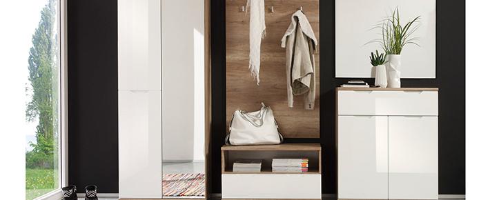 Garderobe roy garderobenprogramme flur diele for Garderobe zumba