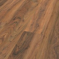Laminat SURPRISE - D406 Nussbaum Planke -  8 mm